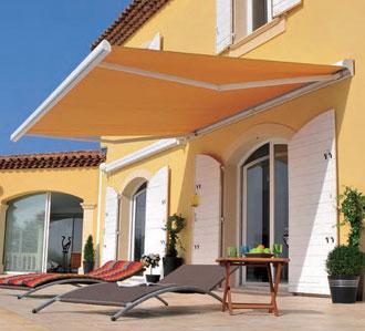 komilfo la terrasse merveilleux avancee de toit pour terrasse les du pays dauge rnovation. Black Bedroom Furniture Sets. Home Design Ideas